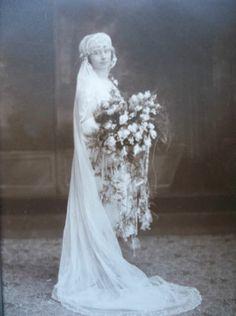Vintage Wedding Photo Bride in Flapper Veil Enormous Bouquet Perth Amboy NJ | eBay