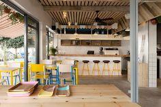 Marzua: Una cafetería de playa para el centro de Tel Aviv