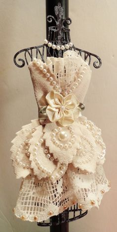 Angela Holt Designs: Cute Dress Form Project with Tutorial!!