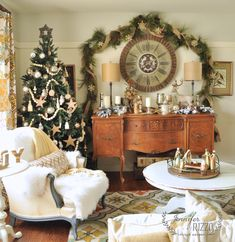 Welcome to Jennifer Rizzo's holiday house walk 2014 full of Christmas decorating and holiday decorating ideas.