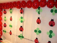 First Birthday Parties, Birthday Party Decorations, Girl Birthday, First Birthdays, Ladybug Crafts, Ladybug Party, Deco Ballon, Just Kids, Diy And Crafts