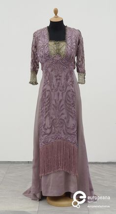 A silk lace & pearl gown by Redfern of Paris Worn at the engagement party of Héléne Ristić and Vojislav Todorović, a cavalry officer from Belgrade in 1909. Pinned by #Blucha from Belgrade Museum of Applied Art website