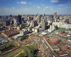The City of Johannesburg.  (www.road-to-south-africa.de)