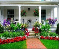 Landscape architectural design has great aesthetic value of Front Yard Garden Landscaping Design Ideas And Remodel. Landscape design is identical to environmental-style open spaces that combine various interactions and factors [ … ] Veranda Design, Front Yard Design, Garden Cottage, Cottage Porch, Shabby Chic Garden, Front Yard Landscaping, Landscaping Ideas, Front Walkway, Garden Landscape Design
