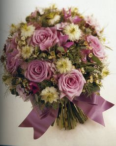 DIY: Wedding Bouquet - This website is great for DIY wedding projects!