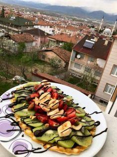 Kullanıcı Fotoğrafı Waffle, Zucchini, Vegetables, Food, Essen, Vegetable Recipes, Meals, Yemek, Veggies