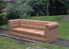 Tiilestä voi tehdä vaikka sohvan... Mukavan pehmeä :)