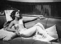 Hedy Lamarr: Inventor of WiFi - Photo 1 - Pictures - CBS News