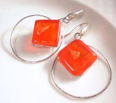 Orecchini a cerchi arancio vetro arancio e argento di LaTerraCanta