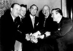 Bud Abbott, Donald O'Connor, Eddie Cantor, Jimmy Durante, & Lou Costello. Hollywood Music, Golden Age Of Hollywood, Vintage Hollywood, Classic Hollywood, Classic Comedy Movies, Classic Comedies, Donald O'connor, Bud Abbott, Comedy Duos
