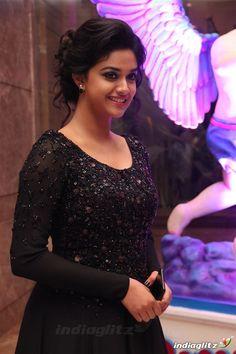 Beautiful Girl Indian, Most Beautiful Indian Actress, Beautiful Actresses, Indian Bridal Sarees, Indian Beauty Saree, Hot Actresses, Indian Actresses, Tamil Actress Photos, Indian Celebrities