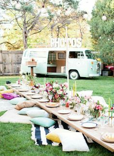 Bright Boho Birthday Party - Inspired by This would be amazing to have a fancy picnic Outdoor Dinner Parties, Garden Parties, Boho Garden Party, Backyard Parties, Party Outdoor, Summer Garden, Outdoor Birthday, Wedding Backyard, Summer Picnic