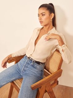 Reformation Anne Button-Up Silk Top Cute Casual Outfits, Chic Outfits, Fashion Outfits, Girly Outfits, Fashion Clothes, Summer Work Outfits, Fall Winter Outfits, Le Closet, Mode Outfits