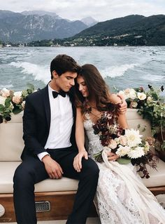 36 Must-Take Romantic Photos On Your Wedding Day Your big day is coming? This is editor's pick for your inspiration of the best romantic photos over Internet. We hope you will like these gallery as we do! Wedding Goals, Wedding Pics, On Your Wedding Day, Perfect Wedding, Dream Wedding, Wedding Dresses, Wedding Ideas, Wedding Venues, Lake Como Wedding