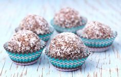 Discover 17 delicious, easy to make and healthy protein ball recipes. All recipes complete with nutritional information, calories & health benefits.