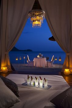 A romantic dining experience under the stars served by a white-gloved waiter, on a table specially decorated with tropical floral arrangements and candle lights. Your dinner features the very best in gourmet cuisine and wine, including a bottle of Ruffino Prosecco and unlimited pours of Robert Mondavi Twin Oaks wines.
