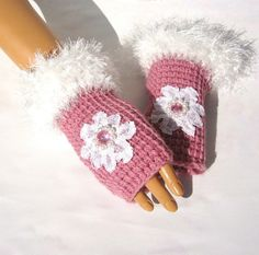 Hand Knit Pink Gloves, Mitten, Lace,  Bead, Winter Fashion, Fall Fashion, Fingerless, Winter Accessories, Holiday Accessories