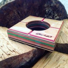 Skate ashtray! 100% handmade by recycled skateboard decks ! Skate.modifications@gmail.com
