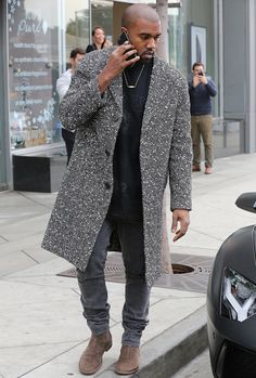 The most stylish men from the first two decades of the century and how they changed the way men dress forever. From Tom Ford and David Beckham to Jay-Z and Harry Styles. Steve Mcqueen, Alexander Mcqueen, Style Kanye West, Kanye West Outfits, Men's Fashion, Hip Hop Fashion, Double Denim, Sean John Clothing, Men Street