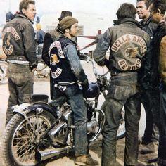 Hells Angels Motorcycle Gang Berdoo Old Very Grainey Large Borders Photo Motorcycle Logo, Motorcycle Clubs, Motorcycle Style, Biker Style, New Motorcycles, Vintage Motorcycles, Harley Davidson Motorcycles, Cuir Vintage, Vintage Biker