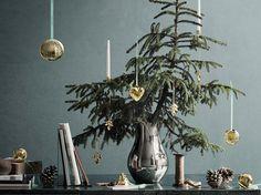 Gefertigt aus Messing und mit Gold oder Palladium überzogen versprühen die Weihnachtsartikel von Georg Jensen einen Hauch von Weihnachten. Die Collectibles werden jedes Jahr um einige Produkte erweitert und eignen sich sowohl als Sammler- als auch als Dekoobjekte.