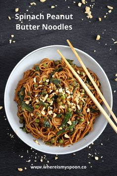 Soy sauce noodles in a creamy spinach peanut butter sauce, a quick, healthy dish ready in no time. and Drink soy sauce Vegan Spinach Peanut Butter Noodles Soy Sauce Noodles, Peanut Noodles, Spinach Noodles, Crockpot Recipes, Cooking Recipes, Peanut Butter Sauce, Vegetarian Recipes, Healthy Recipes, Healthy Foods