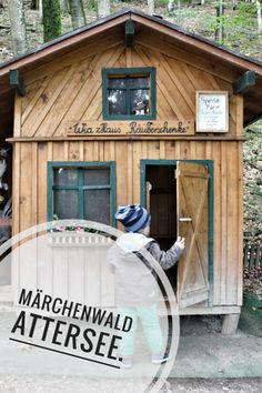 Die Attersee-Region hat nicht nur im Sommer für Familien einiges zu bieten, auch im Herbst, Frühling und Winter ist es dort toll für Familien. Besonders empfehlenswert ist dieser Märchenwald. #Salzkammergut #Märchenwald