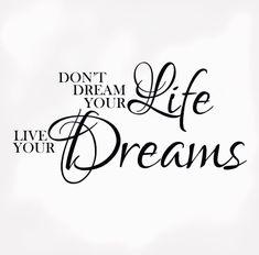 « Ne rêve pas ta vie, vie tes rêves » Afin de vivre ses rêves il faut bien sur les connaître et savoir s'organiser afin de parvenir à les réaliser ! Un article sur mon blog afin de réussir à déterminer vos plans à court et à long terme Lien dans ma bio! • • • #citations #instaphoto #girl #lifestylebloger #girlboss #blogger #quote #life #ambition #boss #citation #love #photooftheday #quoteoftheday #happy
