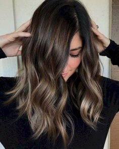 Are you going to balayage hair for the first time and know nothing about this technique? We've gathered everything you need to know about balayage, check! Ombre Hair Long Bob, Brown Ombre Hair, Brown Hair Balayage, Brown Hair With Highlights, Hair Color Highlights, Ombre Hair Color, Hair Color Balayage, Brown Hair Colors, Fall Balayage