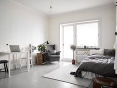 A studio apartment is typically a rented living space that's all one room. There are several benefits of having a studio apartment. One Room Apartment, Studio Apartment Layout, Studio Apartment Decorating, Studio Decor, Deco Studio, Minimalist Studio Apartment, Karton Design, Tiny Studio Apartments, Tiny Loft