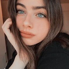 Transform Your Looks With This Advice Beautiful Girl Makeup, Beautiful Girl Image, Beautiful Eyes, Aesthetic Photo, Aesthetic Girl, Girl Pictures, Girl Photos, Flawless Beauty, Natural Makeup Looks