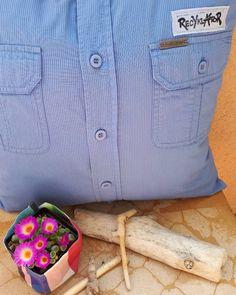 Košilový polštář 👔💙#pillow #polstarzkosile #mensshirtpillow #mensshirt #panskakosile #polstar #homedecor #domov #upcyklace #upcycle #upcycling #handmade #vlastnitvorba #recyklatorzostravy #creativity