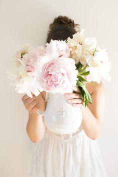 Ranunculus Flowers, Peonies Bouquet, Pink Peonies, Anemones, Peony Arrangement, Floral Arrangements, Peonies Season, Small Backyard Gardens, Peonies Garden