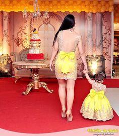 Lindas a princesa Maitê e sua mamãe vestem Cecilia Cavalcante foto por Mommy Daughter Dresses, Mother Daughter Fashion, Mommy And Me Outfits, Mom Daughter, Little Girl Dresses, Girl Outfits, Girls Dresses, Flower Girl Dresses, Baby Girl Dress Patterns