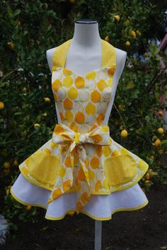 cute apron-not the color but the design