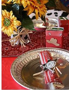 Cowboy/Cowgirl western party-pie pan for plate, bandana for napkin, sunflowers,...