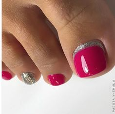 Diy Nails Manicure, Pedicure Nail Designs, Diy Acrylic Nails, Toe Nail Designs, Gold Toe Nails, Pretty Toe Nails, Cute Toe Nails, Feet Nails, Toe Nail Color