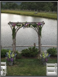 This would be amazing in front of uncle Mikes pond! I wonder if Thurman would make us one!!!