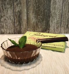 """Amor Em Castelo on Instagram: """"A mousse de chocolate da minha mãe é a melhor, mas a seguir é a minha! 😜 Desde sempre me lembro dos @chocolatespantagruel e não hesitei…"""" Instagram, Castle, Chocolate Mouse"""