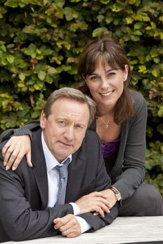 another pinner: Neil Dudgeon & Fiona Dolman in 'Midsomer Murders', 2013. The new Detective Inspector in Midsomer was off to a slow start, replacing the affable Tom Barnaby, but subsequent episodes are better & the 'Midsomer Mystery Mojo' is back.