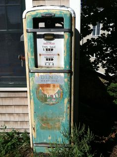 "Sinclair gas pump.  The dinosaur was its symbol.  Can you say ""fossil fuel?"""