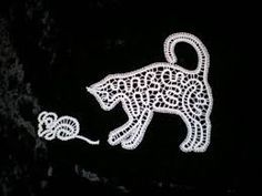 """Résultat de recherche d'images pour """"klekljanje"""" Bobbin Lace Patterns, Creative Embroidery, Needle Lace, Lace Making, Fauna, String Art, Cute Pictures, Album, Clip Art"""