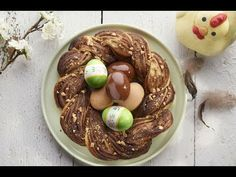 Nido de pascua con chocolate y hojaldre Christmas Bread, Just Desserts, Sweet Recipes, Biscuits, Oatmeal, Easy Meals, Pudding, Sweets, Cooking