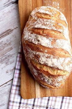 Jeśli tak jak ja zazwyczaj nie macie czasu na pieczenie domowego chleba, wypróbujcie przepis na chleb bez zagniatania. Udaje się on n...