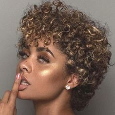 Lace Frontal Wigs Curly Hairstyle For Party Malaysian Curly Lace Wig Best Women Curly Wigs Curly Hairstyles 2019 Female Short Curly Hair, Short Hair Cuts, Curly Hair Styles, Natural Hair Styles, Medium Curly, Short Curls, Deep Curly, Short Blonde, Curly Girl