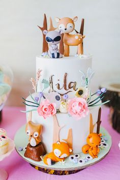 A sassy woodland girl party Baby Birthday Cakes, Baby Girl Birthday, Animal Birthday, Tortas Peppa Pig, Fete Emma, Gateau Harry Potter, Woodland Cake, Girl Cakes, Childrens Party
