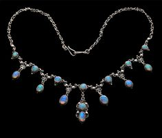 ARTIFICERS' GUILD Attrib. Arts & Crafts Necklace  Silver Opal H: 3.6 cm (1.42 in)  L: 38 cm (14.96 in)  British, c.1910 Fitted Case