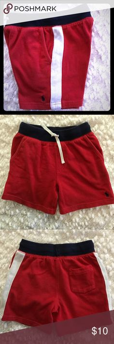Ralph Lauren Red Jersey Pull On Shorts Red, blue and white shorts with two front pockets. Small mark on front of short as noted on 4th picture. Normal wash and wear. Ralph Lauren Bottoms Shorts