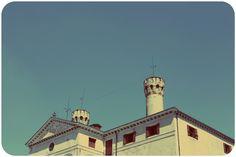 Invasioni Digitali al CASTELLO DI RONCADE. With love from Ca' de Memi. #invasionidigitali #castellodironcade. www.cadememi.it - www.invasionidigitali.it - www.castellodironcade.it
