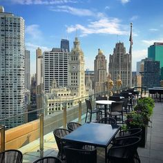 LondonHouse Rooftop-Bar... sensationeller Ausblick. #chicago #chicagogram #chicagolife #usa #urlaub #sommer #reisen #travel #travelblogger #impression #windycity #illinois